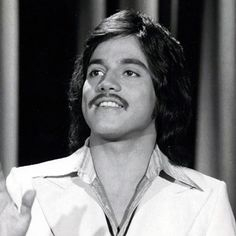 December Freddie Prinze, nineteen, becomes the first Latino comedian to appear on the Johnny Carson Show. Puerto Rico, Tony Orlando, Freddie Prinze, Johnny Carson, Detroit Free Press, Stand Up Comedians, American Life, Celebs, Celebrities
