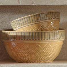Heirloom Pantry Bowls - Picket Fence design, set of 2 Vintage Bowls, Vintage Kitchenware, Vintage Dishes, Antique Dishes, Antique Glass, Pottery Bowls, Ceramic Bowls, Ceramic Pottery, Antique Stoneware