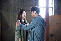 ภาพที่ถูกฝังไว้ Lee Yo Won, Mbc Drama, Jin Goo, Night Light, Couple Photos, Couples, China, Movies, Couple Shots