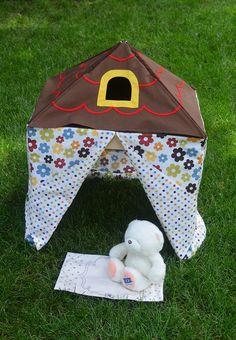 ikat bag: House For A Little Friend  une petite maison adorable, facile à faire, à poser sur une table (et une cachette en prime !)