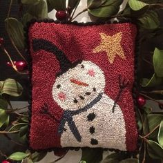 I took an old Create and Decorate magazine rug hooking pattern and resized it for punch needle. Love this jolly guy! Primitive Crafts, Primitive Christmas, Rug Hooking Patterns, Rug Patterns, Punch Needle Patterns, Yarn Crafts, Felt Crafts, Sewing Crafts, Hand Hooked Rugs