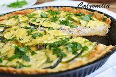 Tarta z kurczakiem, cukinią i czerwoną cebulą | Calzonella My Favorite Food, Favorite Recipes, Quiche, Zucchini, Hamburger, Pizza, Menu, Snacks, Chicken