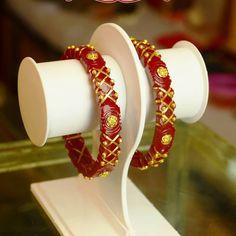 Bridal Bangles, Gold Bangles, Bridal Jewelry, Bangle Bracelets, Gold Jewelry, Indian Jewellery Design, Jewelry Design, India Jewelry, Antique Gold
