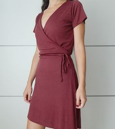 miscelánea diy: DIY | Vestido cruzado con lazo en la cintura (Wrap dress) Trendy Dresses, Tight Dresses, Nice Dresses, Casual Dresses, Wrap Around Dress, Wrap Dress, Diy Clothing, Sewing Clothes, Diy Vestido
