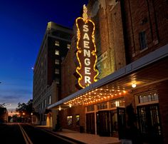 Downtown Hattiesburg MS | The Saenger Theater