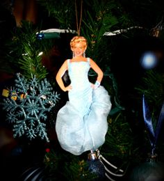 Marilyn Monroe Christmas Ornaments | Marilyn Monroe | Pinterest ...