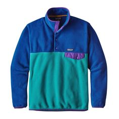 The Patagonia Men's Lightweight Synchilla® Snap-T® Pullover - European Fit is a lighter version of our classic Snap-T® Pullover.