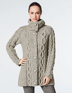 This cardigan, knit using Alaska yarn, is perfect for keeping snug this winter. It is knitted in moss stitch, stocking stitch, reverse stocking stitch and cable stitch using needles and two cable needles. Sweater Knitting Patterns, Cardigan Pattern, Jacket Pattern, Knit Cardigan, Big Knits, Knit Picks, Knit Jacket, Sweater Coats, Pulls