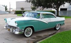 1956 Ford Fairlane Victoria without Skirts. White & Green..