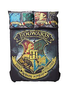 Harry Potter Distressed Hogwarts Crest Full/Queen Comforter,