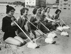 Vintage Snapshots Capture Daily Life of Venice Beach, Los Angeles in the 1930s