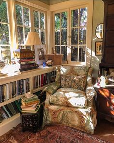Coziest Reading Corner Ever (Content in a Cottage) This has got to be the most well thought out reading nook ever. I do wish I could see the rest of the sunroom because I know I would love everything. via I would be searching for the companion ottoman Cozy Nook, Cozy Corner, Style At Home, Cozy Reading Corners, Reading Nooks, Cozy Reading Rooms, Reading Chairs, Home Libraries, My New Room