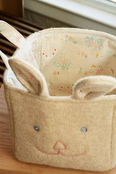 Upcycled Sweater to Bunny Basket + Sew Perfect Corners - Free Sewing Tutorials with Vanessa Bradley and Linda Lee ✿  #sewing
