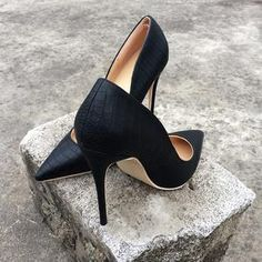 ST fashion shop Shoes Heels Pumps, Stiletto Heels, Pump Types, Giuseppe Zanotti Shoes, Beautiful Models, Cute Shoes, Fendi, Valentino, Purses