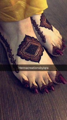 Henna Design by Fatima - Henna Leg & Henna Thigh- # Desi . Henna Hand Designs, Mehndi Designs Finger, Legs Mehndi Design, Mehndi Designs For Girls, Modern Mehndi Designs, Mehndi Design Pictures, Wedding Mehndi Designs, Mehndi Designs For Fingers, Latest Mehndi Designs