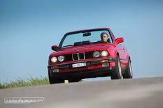 Die zwei Abschlepphaken vorne wurden wohl nur selten gebraucht...  © Bruno von Rotz #BMW325i #1989 #Cabriolet