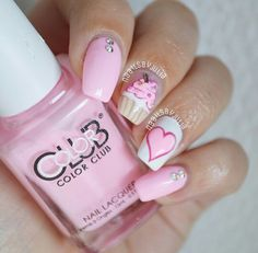 Cake nail art