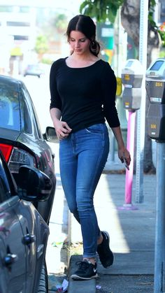 May 24, 2017: Lana Del Rey spotted in West Hollywood #LDR