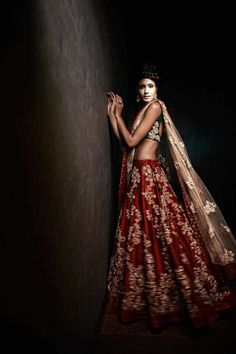 Absolutely stunning piece by Shyamal & Bhumika - Indian bride - Indian designer - Indian couture - Indian wedding Indian Bridal Lehenga, Indian Bridal Fashion, Indian Bridal Wear, Asian Bridal, Indian Wedding Outfits, Indian Outfits, Bride Indian, Indian Clothes, Indian Weddings