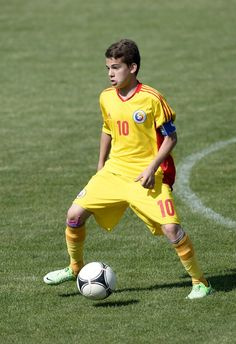 Football Players, Romania, Number, Celebrities, Sports, Hs Sports, Soccer Players, Celebs, Sport