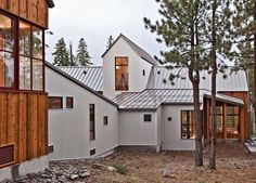 Google Image Result for http://www.onekindesign.com/wp-content/uploads/2011/10/Tahoe-Ridge-House-01-1-Kind-Design.jpg
