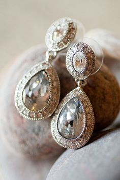 Stunning Earrings - Borrowed from Bride's Grandmother ;)