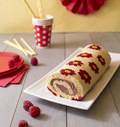 Gâteau roulé aux framboises décor fleurs - Ôdélices : Recettes de cuisine faciles et originales !