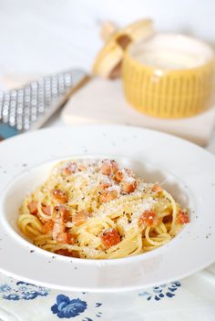 spaghetti alla carbonara......... https://www.kucharkaprodceru.cz/spagety-carbonara