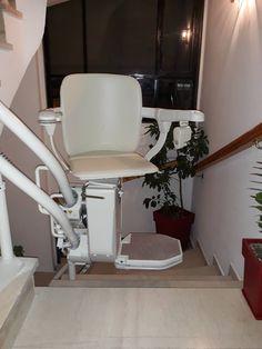 ΝΕΑ ΤΟΠΟΘΕΤΗΣΗ ΣΤΗ ΛΑΜΙΑ! Οι μηχανικοί μας τοποθέτησαν το δημοφιλές μοντέλο SIENA για περιστροφικές σκάλες σε λιγότερο από 1 ημέρα. Barber Chair, Furniture, Home Decor, Decoration Home, Room Decor, Home Furnishings, Home Interior Design, Home Decoration, Interior Design