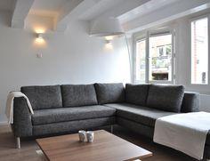 grijze hoekbank na STIJLIDEE Interieuradvies en Styling via www.stijlidee.nl