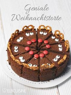 Rudolf the Red Nose, die Weihnachtstorte! – ELBCUISINE Delicious chocolate cake with Rudolph design. Rudolf the Red Nose, die Weihnachtstorte! Fall Desserts, Christmas Desserts, Christmas Baking, Christmas Cookies, Chocolate Christmas Cake, Christmas Recipes, Food Cakes, Cookie Recipes, Snack Recipes