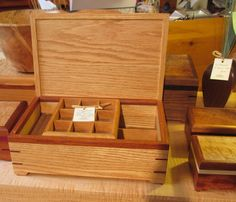 Jeri's Organizing & Decluttering News Diy Wooden Projects, Wood Shop Projects, Small Wood Projects, Wooden Crafts, Wooden Diy, Handmade Wooden, Woodworking Store, Woodworking Projects Plans, Cool Things To Build