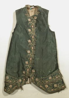 Waistcoat  National Trust Inventory Number 1348792.2 Date1775 MaterialsLinen, Shot silk, Silk, Silk twill CollectionSnowshill Wade Costume Collection, Gloucestershire (Accredited Museum)