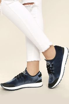 Bump up your workout attire or next street chic ensemble with the Coolway Tahalifit Royal Blue Velvet Sneakers! Soft velvet brings a luxurious element to these cool trainers, with slip-on design, black laces, and matching branded pull tabs.