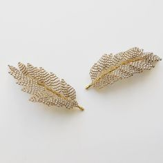 The LENA hairpins in Antique Gold. You can wear these little pins in so many different ways in the hair....Take a look at edenbstudio.com to see a few! . . . . . . #bridalhairaccessories #hairpins #edenbstudio #bridalaccessories #accessoriesdesigner #weddinghairinspo #botanicalart #inspiredbynature #handcrafted #hairinspo #weddinghair #newlyengaged #bridetobe #engaged #wedding #bride #bridestyle #bridallook #picoftheday