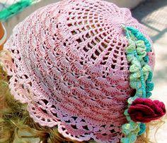 Little Girl's Sunhat with a Poppy Flower - crochet free pattern