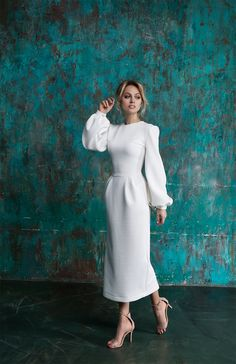 Actress Yanina Studilina became the heroine of the brand& spring collection - - Elegant Dresses Classy, Elegant Outfit, Classy Dress, Simple Dresses, Classy Outfits, Chic Outfits, Beautiful Dresses, Nice Dresses, Casual Dresses