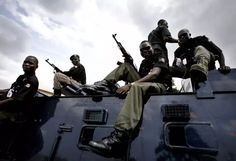 Robbers on Tuesday killed four policemen in multiple bank robbery attacks in Iwo Osun the News Agency of Nigeria (NAN) reports.  The attacks which were targeted at three banks on Bowen University road Iwo were carried out at 4.pm.  Confirming the attacks the police spokesperson Mr. Folashade Odoro said the incidents claimed four policemen.  Odoro said the Commissioner of Police in the state Mr Fimihan Adeoye other top officers and DSS chiefs were presently in Iwo to deliberate on how to…