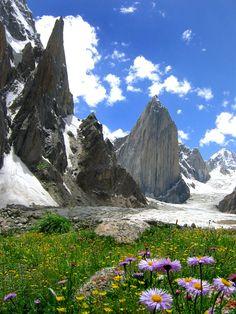 Nature with a difference, Karakorum Mountains, Pakistan (by Savera).