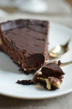 Cheesecake au chocolat. Remplacer les biscuits par des biscuits sans gluten et la cuillère à soupe de farine par de la maizena