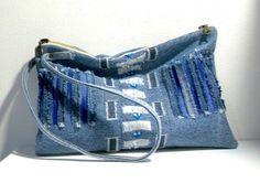 pochette en jean de la collection DENIM: blue bird / tissu recyclé : Sacs à main par yza-dora