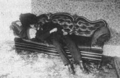 Lizzie Borden took an axe,  And gave her mother forty whacks,  When she saw what she had done,  She gave her father forty-one.