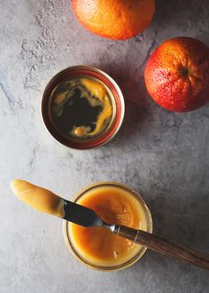 Because this blood orange curd is made with blood oranges, it& not super sweet. And though the sharp citrus taste mellows out, the curd still retains its lovely orange-y taste. Breakfast And Brunch, Chutneys, Orange Recipes, Le Chef, Blood Orange, How Sweet Eats, Food Inspiration, Food Photography, Food And Drink