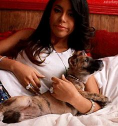 Aaliyah Singer, Rip Aaliyah, Aaliyah Style, Aaliyah Outfits, Aaliyah Quotes, Aaliyah Pictures, One Piece Gif, Queen Of The Damned, Gladys Knight