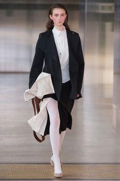 Lemaire Fall 2017 Ready-to-Wear Fashion Show - Klementyna Dmowska (Next)