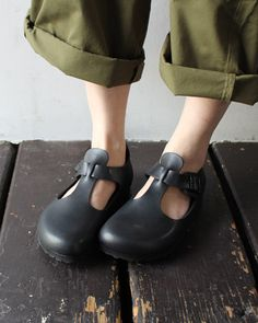 Shop Women's Birkenstock Black size 12 Flats & Loafers at a discounted price at Poshmark. Description: New Paris style black t-strap shoes by Birkenstock in a size 42 . Leather Clogs, Black Leather, Sock Shoes, Shoe Boots, Birkenstock London, T Strap Shoes, Shoe Show, Kinds Of Shoes, Mules Shoes