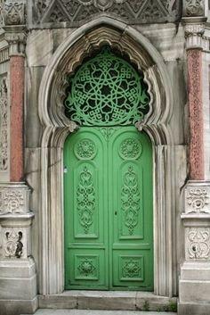 Beautiful green door in Istanbul, Turkey Grand Entrance, Entrance Doors, Doorway, Les Doors, Windows And Doors, Cool Doors, Unique Doors, When One Door Closes, Door Gate