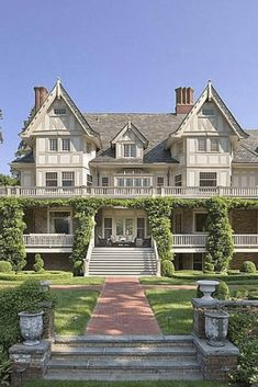 1891 English Manor For Sale In Greenwich Connecticut — Captivating Houses – dream house Old House Design, Dream Home Design, Old Style House, English Manor Houses, English House, English Country Manor, Greenwich Connecticut, Victorian Style Homes, Victorian Decor