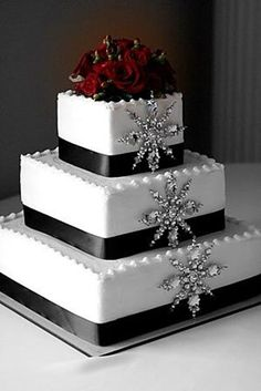 December wedding cakes ideas, December wedding cakes with snow flakes, DIY food ideas for winter wedding, 2014 Valentines day inspiration