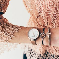 The Julie Julsen Uhr Pure Rosé Mesh. In classy combination with the Poems Of Life bracelets with meaningful tree of life symbol. Tree Of Life Symbol, Tree Of Life Bracelet, Poems About Life, Mesh, Classy, Rose Gold, Pure Products, Watches, Lace